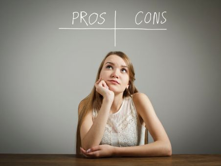 pros-cons-decision-hesitation